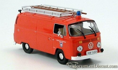 VW T1\VW Bully, Feuerwehr Boitzen IXO
