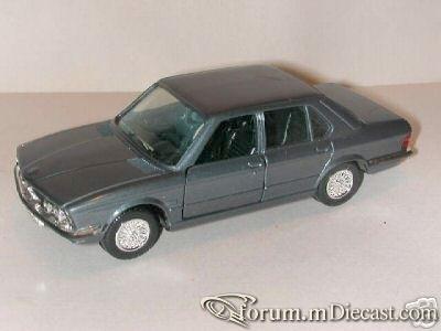 BMW E28 5-series 4d 1981 Luso.jpg