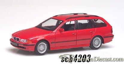 BMW E39 Touring 1996 Schuco.jpg