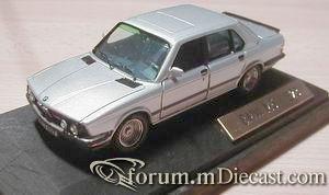 BMW E28 M5.jpg