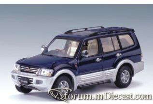Mitsubishi Pajero 1999 LWB Autoart.jpg