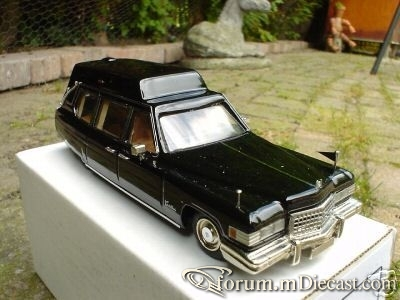 Cadillac 1976 Fleetwood Hearse.jpg
