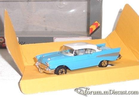 Chevrolet Bel Air 1957 2d Hardtop Corgi.jpg
