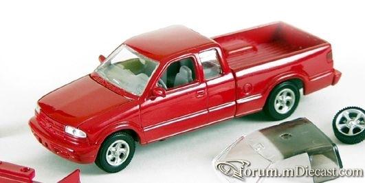Chevrolet S10 Modifiers.jpg
