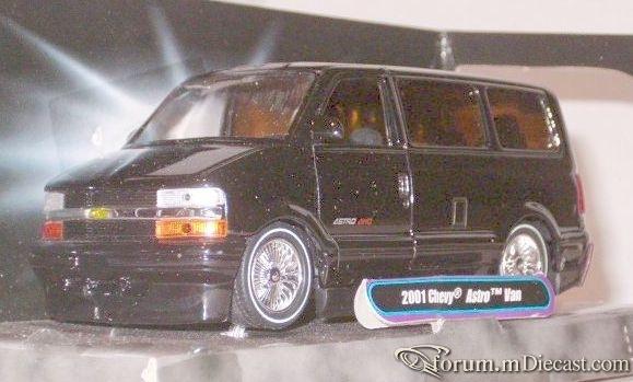 Chevrolet Astro 2001 Bus Jada.jpg