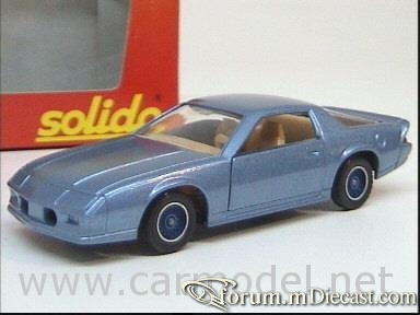 Chevrolet Camaro 1982 Coupe Solido.jpg
