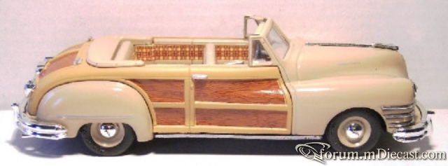 Chrysler Town And Country 1947 Cabrio Dinky.jpg