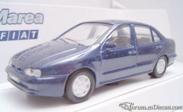 Fiat Marea 4d 1998 Maisto.jpg