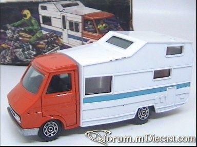 Fiat 242 Camper.jpg
