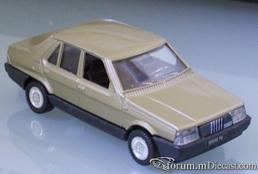 Fiat Regata 4d 1983 Polistil.jpg