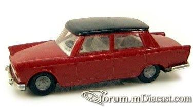 Fiat 1800 4d Politoys.jpg