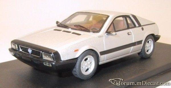Fiat 130 Pininfarina.jpg