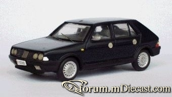 Fiat Ritmo 1982 5d Tron.jpg