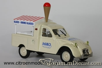Citroen 2CV Icecream Norev.jpg