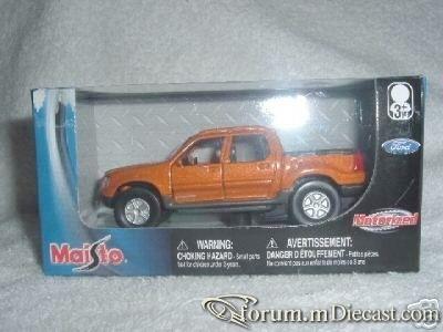 Ford Explorer III Sport Track Maisto.jpg