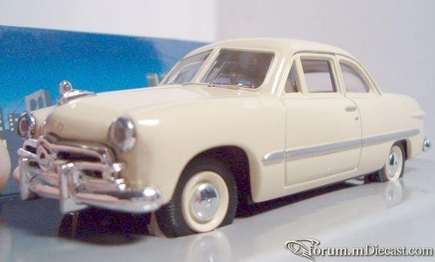 Ford 1949 White Rose.jpg