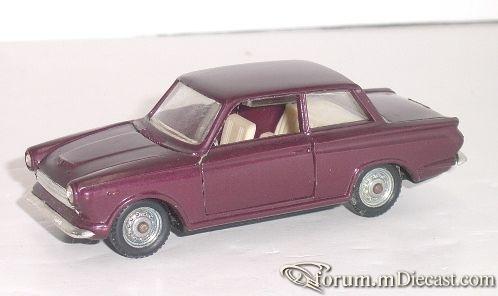 Ford Consul Cortina 2d Politoys.jpg