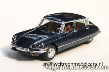 Citroen DS23 4d 1968 AH.jpg