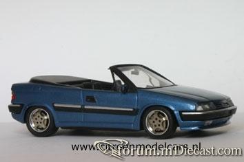 Citroen Xantia 1998 Cabrio Bburago-RobB.jpg