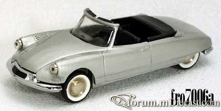 Citroen DS19 2d Cabrio 1961.jpg