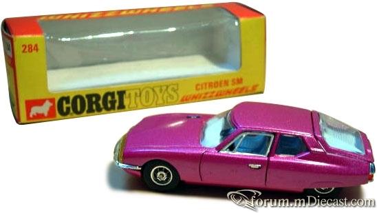 Citroen SM 1970 Corgi.jpg