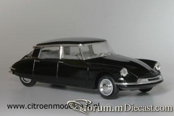 Citroen DS19 4d 1957 Vitesse.jpg
