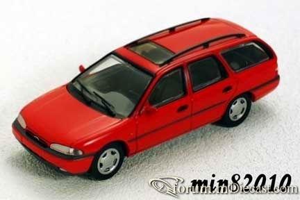 Ford Mondeo Mk.I Wagon 1993 Minichamps.jpg