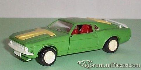 Ford Mustang 1968 Boss 302 Mebetoys-Minsk.jpg
