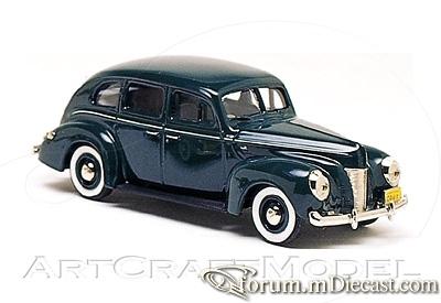 Ford Fordor 1940 USA.jpg