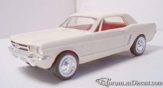 Ford Mustang 1964 Hardtop ERTL.jpg