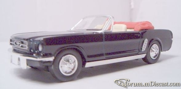 Ford Mustang 1964 Cabrio New Ray.jpg