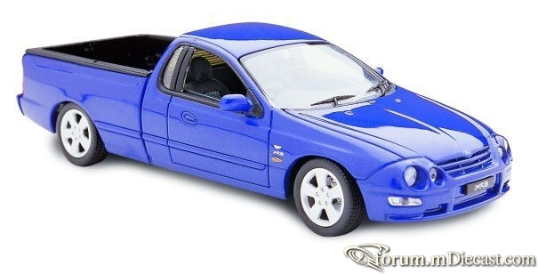Ford Falcon AU1 XR8 Pickup ClassicCarlectables.jpg