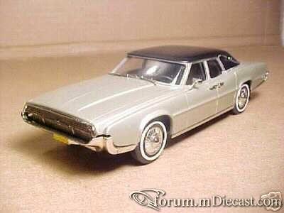 Ford Thunderbird 1967 4d Brooklin.jpg