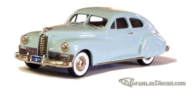 Packard Custom Super 8 1947 Brooklin.jpg