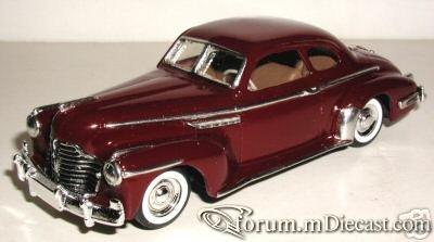 Buick Roadmaster 1941 Club Coupe ELC.jpg