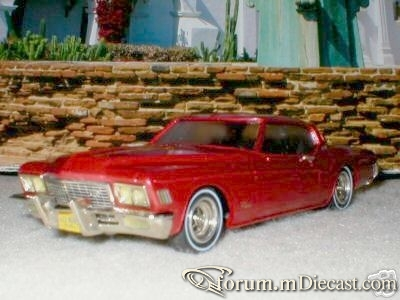 Buick Riviera 1972 Western.jpg