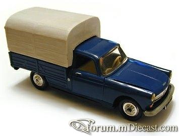 Peugeot 404 Pickup Norev.jpg
