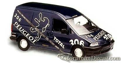 Peugeot Expert Van Solido.jpg