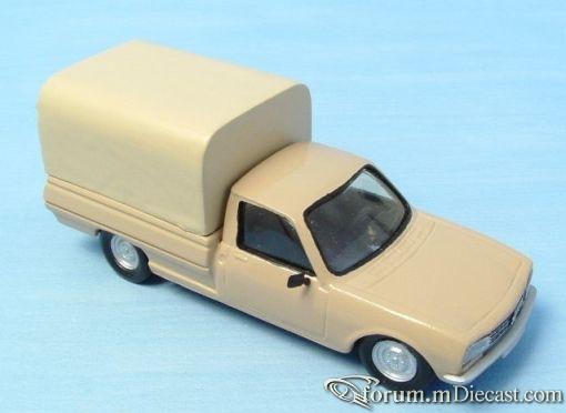 Peugeot 504 Pickup MVI.jpg