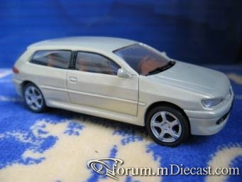 Peugeot 306 Break de Chasse Geneve 1999 ACM 43.jpg