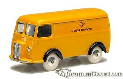 Peugeot D3A Van Quiralu.jpg
