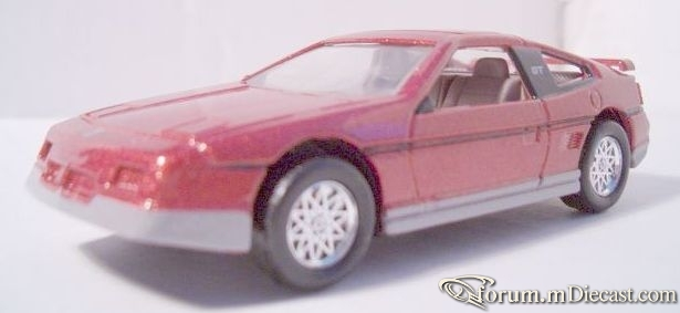 Pontiac Fiero GT 1988 ERTL.jpg