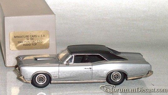Pontiac GTO 1966 Hardtop Miniature Cars USA.jpg
