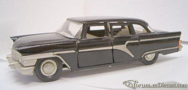 GAZ 13 1959 Tantal.jpg