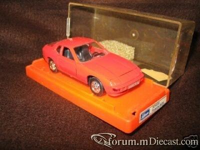 Porsche 924 Schuco.jpg