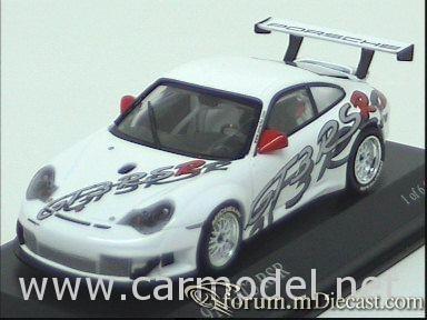 Porsche 911 2003 GT3 RSR Minichamps.jpg