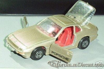 Porsche 924 Corgi.jpg
