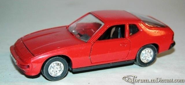 Porsche 924 Coupe Schuco.jpg