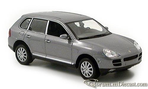 Porsche Cayenne 2002 Minichamps.jpg