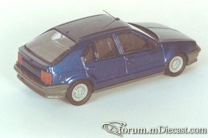 Renault 19 5d Heco.jpg